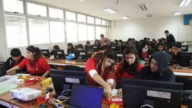 Acercando la tecnología a las salas de clases de Chile