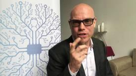 Martin Hilbert: El algoritmo es tan peligroso como una medicina o una comida tóxica para la salud