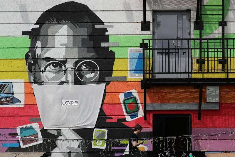Mural de Steve Jobs en Rusia.